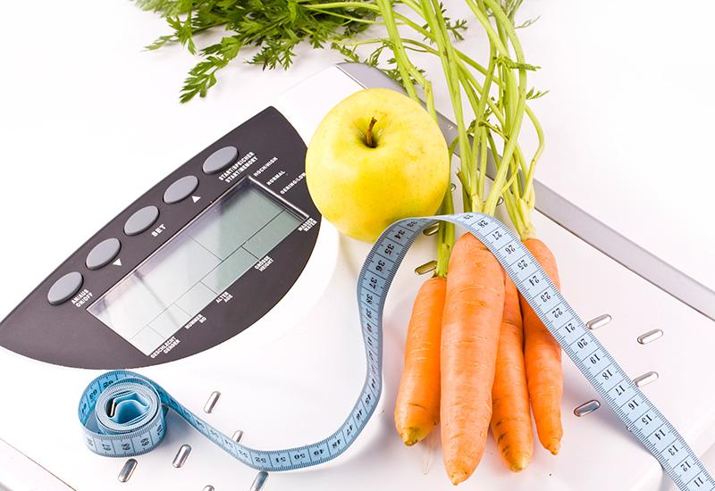 zanahorias, manzana y Objetos de medición